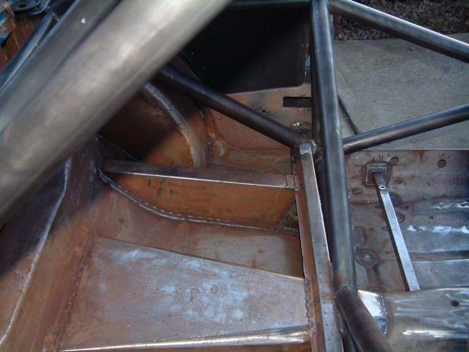 Custom Cages Escort MK2 T45 Multipoint Full Weld In Roll Cage X Door Bars